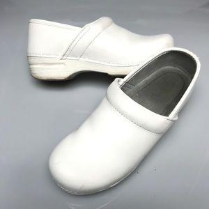 Dansko 39 white comfort nursing clogs shoes